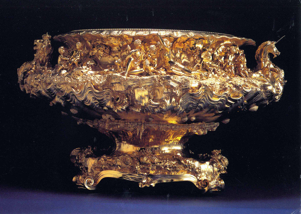 The Wine Cistern, or Grand Punch Bowl, made for King George IV, included in the Crown Jewels collection.