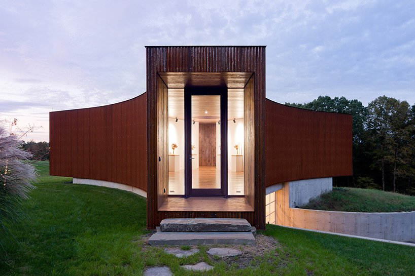 The Tsai Residence guest house, designed by Ai Weiwei and HHF Architects. Photo by Iwan Baan.